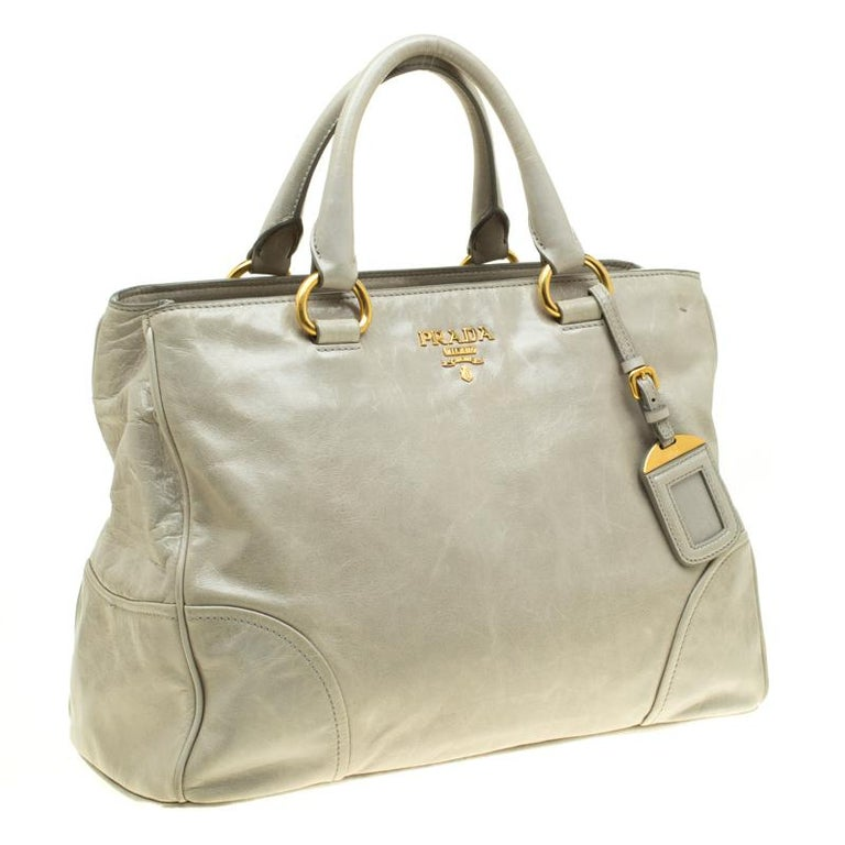 Prada Pale Green Glazed Leather Top Handle Bag In Good Condition For Sale In Dubai, Al Qouz 2