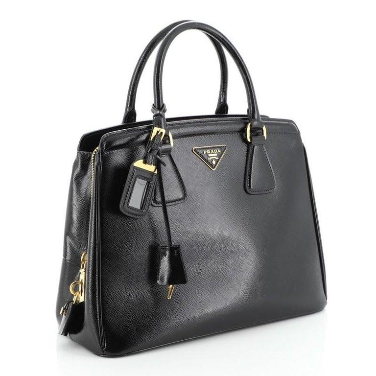 Prada Parabole Tote Vernice Saffiano Leather Medium In Good Condition For Sale In New York, NY