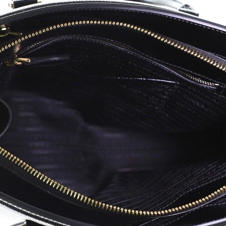 Prada Parabole Tote Vernice Saffiano Leather Medium For Sale 2