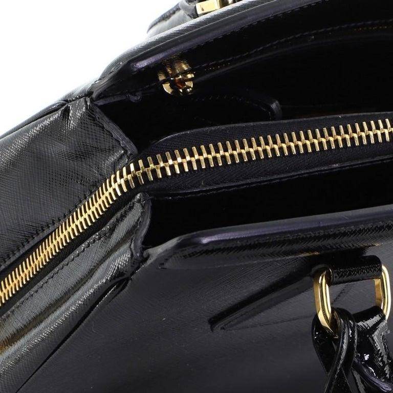 Prada Parabole Tote Vernice Saffiano Leather Medium For Sale 4