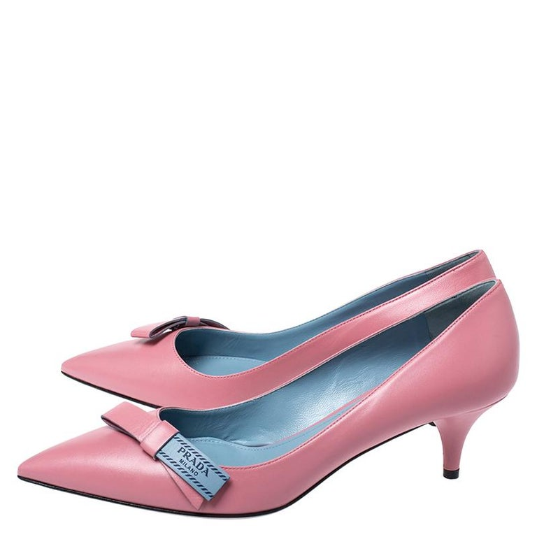 Prada Pink Leather Bow Detail Pointed Toe Pumps Size 39.5 For Sale 2