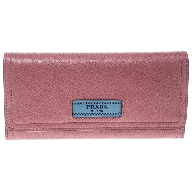 5612270d32d3b Rosa Leder Brieftasche von Prada im Angebot bei 1stdibs
