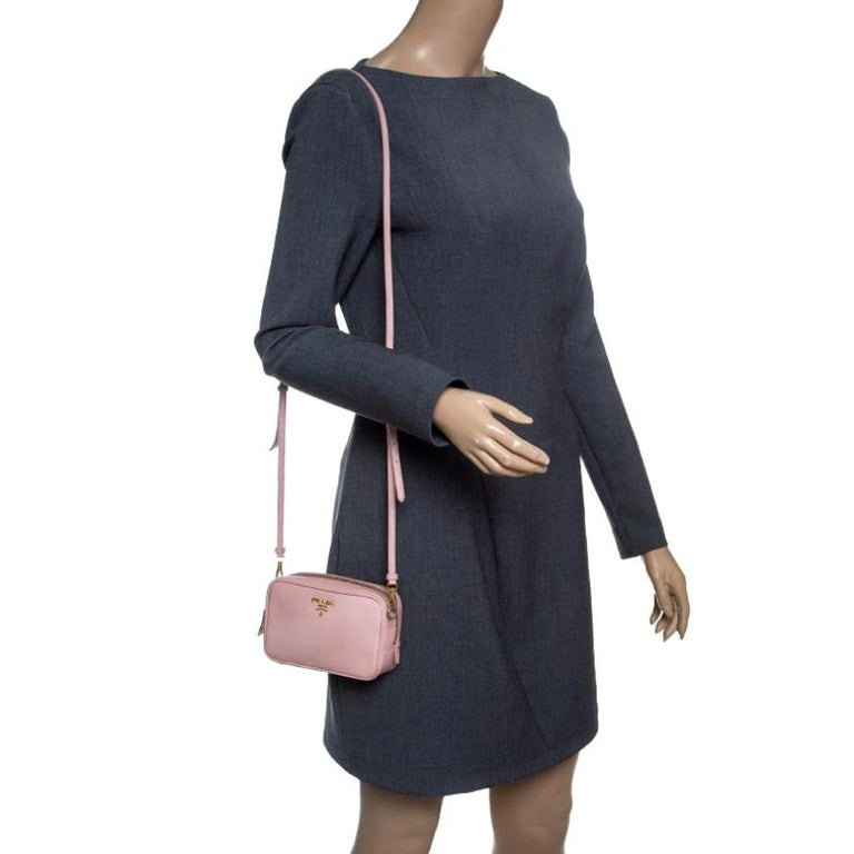 Prada Pink Saffiano Lux Leather Camera Crossbody Bag In Fair Condition For Sale In Dubai, Al Qouz 2