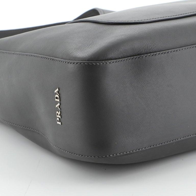 Prada Pocket Hobo Cervo Leather Medium For Sale 2