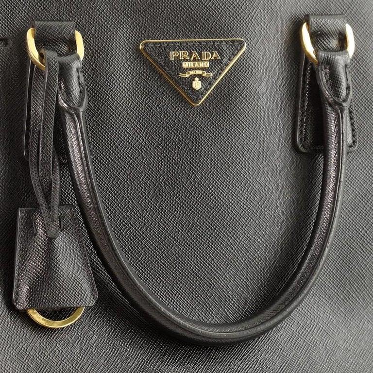 Prada Promenade Bag Saffiano Leather Medium For Sale 4