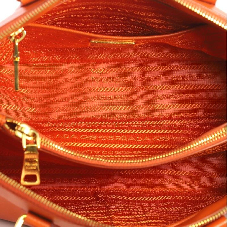 6d1445406e73 Prada Promenade Handbag Saffiano Leather Medium For Sale at 1stdibs