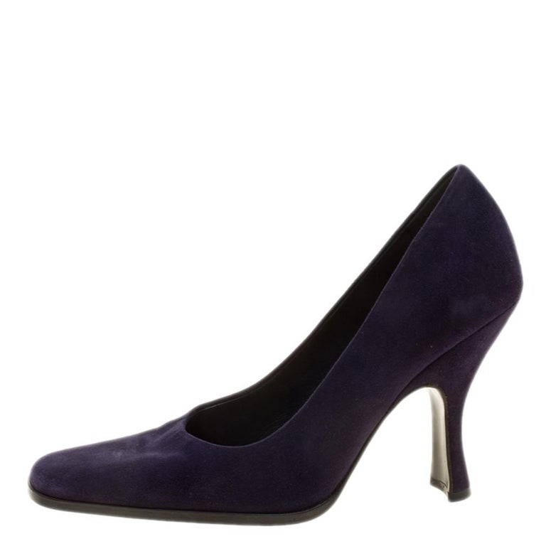Complete the chic look with this pair of pumps designed by Prada. This pair is an ideal example of style and impeccable design. Look like a diva in this pair designed from suede. Lined with leather on the insides, they come with 10.5 cm