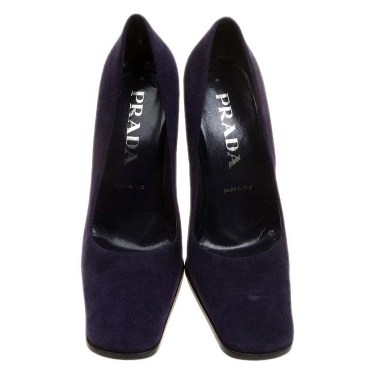 Prada Purple Suede Square Toe Pumps Size 37 In Good Condition For Sale In Dubai, Al Qouz 2