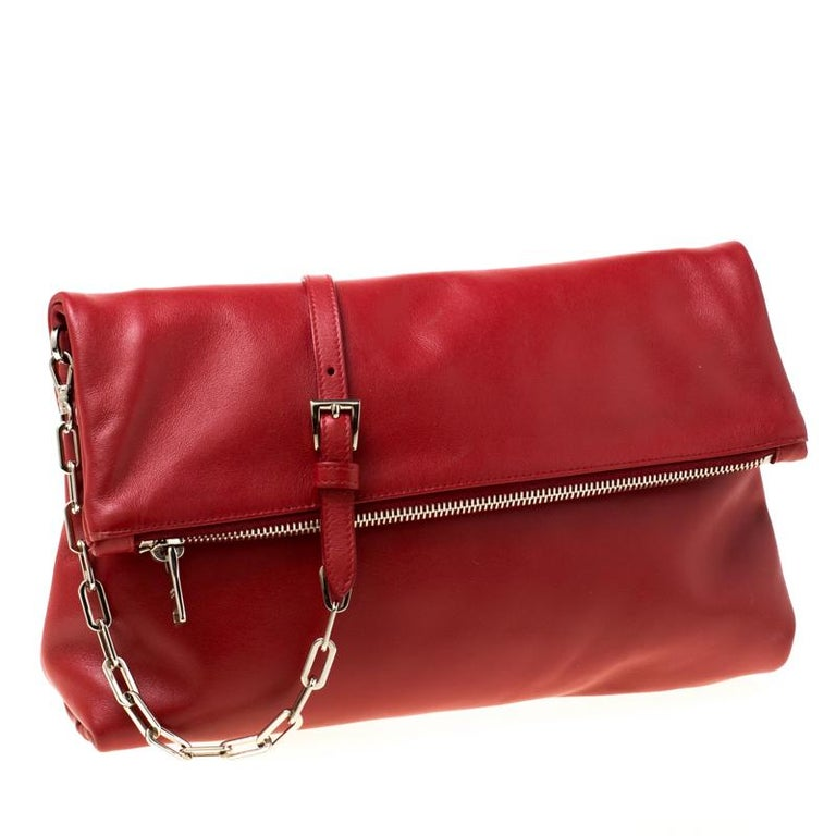 Prada Red Leather Folded Crossbody Bag In Good Condition For Sale In Dubai, Al Qouz 2