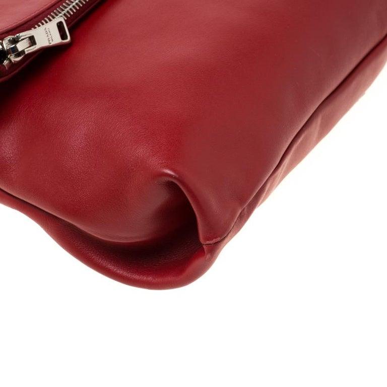Prada Red Leather Folded Crossbody Bag For Sale 2