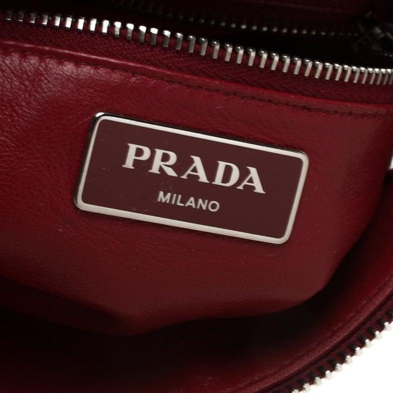 Prada Red Leather Folded Crossbody Bag For Sale 4