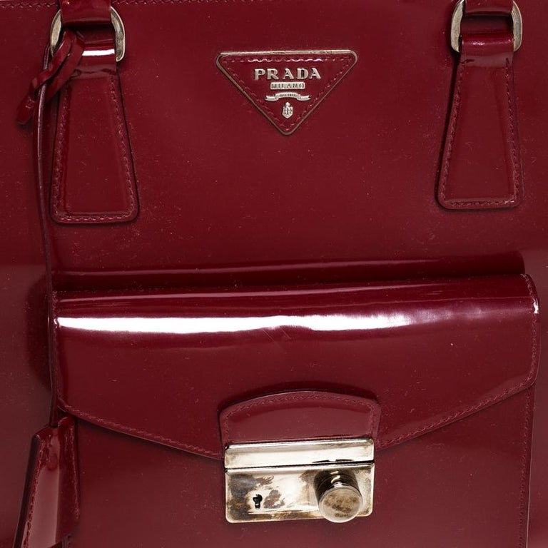 Prada Red Patent Leather Front Pocket Double Zip Lux Tote For Sale 6