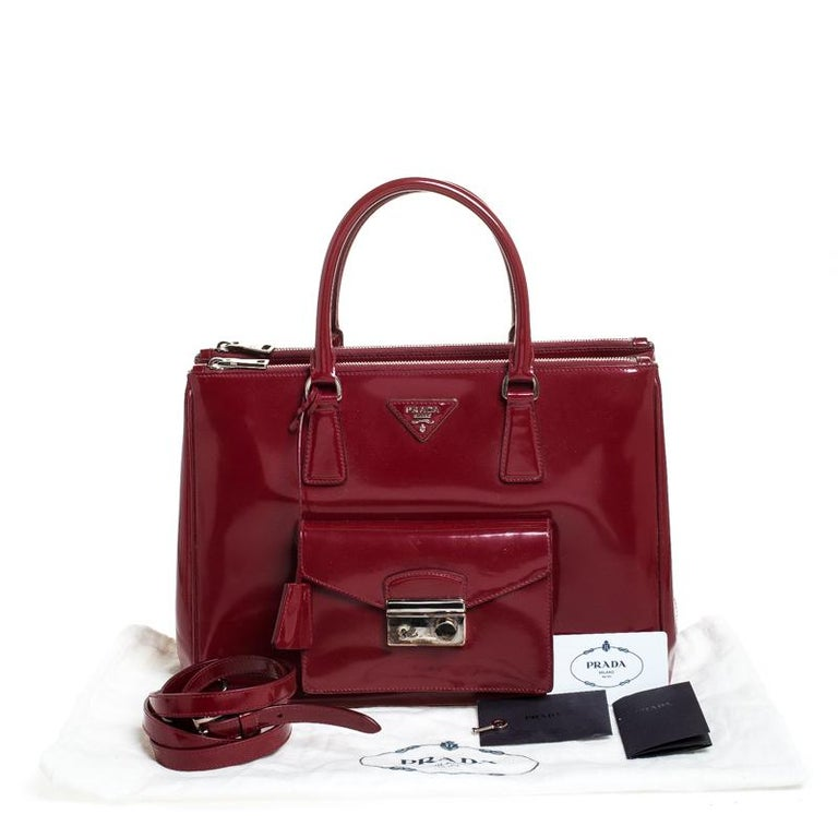 Prada Red Patent Leather Front Pocket Double Zip Lux Tote For Sale 7