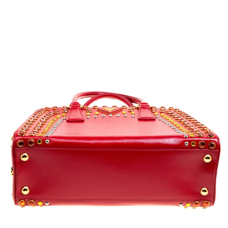 Prada Red Patent Leather Pyramid Frame Top Handle Bag For Sale 1