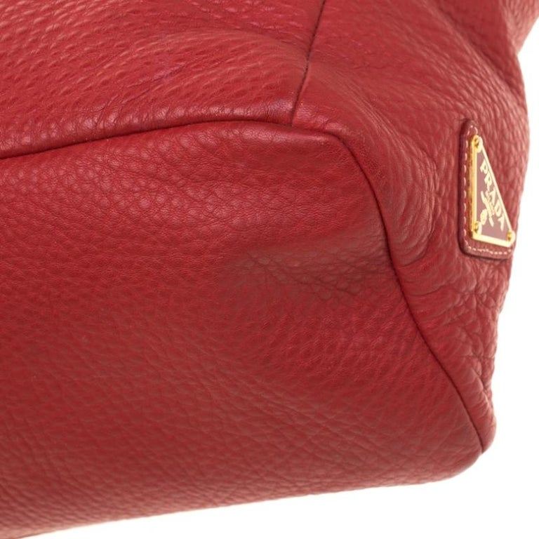 Prada Red Pebbled Leather Messenger Bag For Sale 1