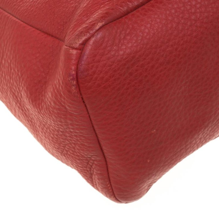 Prada Red Pebbled Leather Messenger Bag For Sale 4