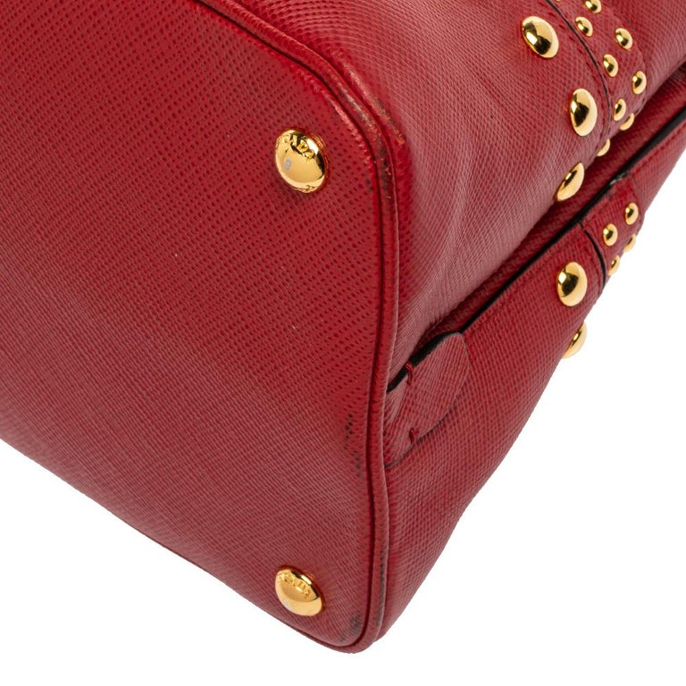 Prada Red Saffiano Cuir Leather Open Promenade Studded Bag For Sale 2