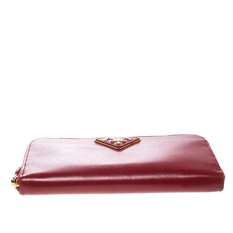 49fc75e1b6ec18 Prada Red Saffiano Leather Zip Around Wallet In Good Condition For Sale In  Dubai, AE