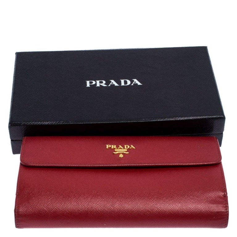 Prada Red Saffiano Lux Leather Flap Continental Wallet For Sale 6