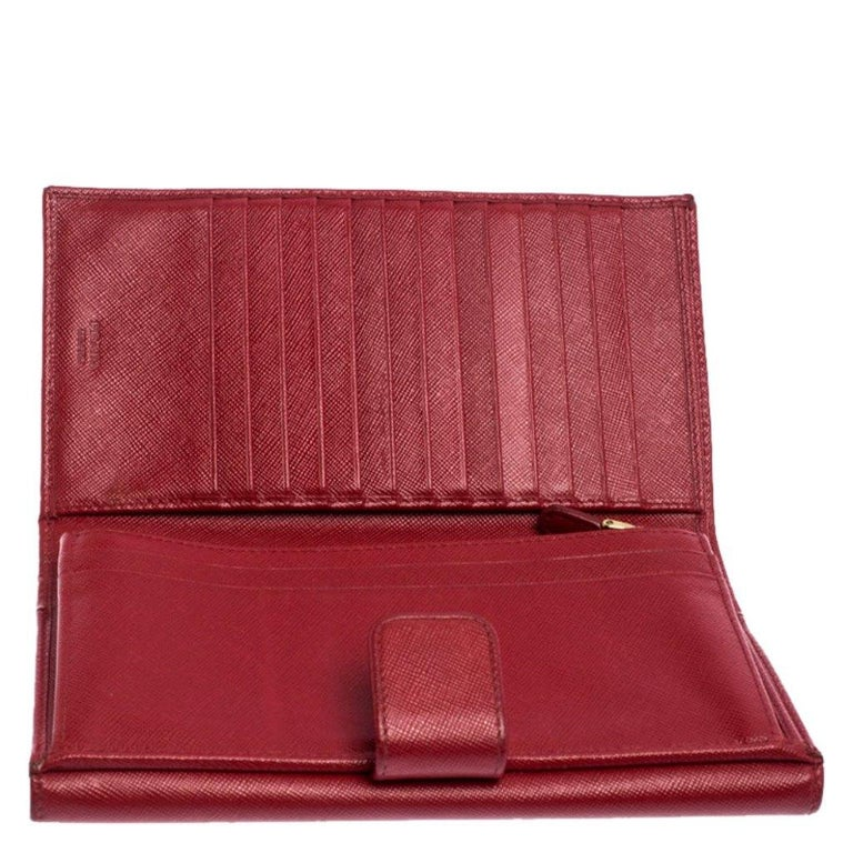 Prada Red Saffiano Lux Leather Flap Continental Wallet For Sale 5
