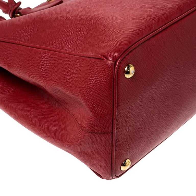 Prada Red Saffiano Lux Leather Large Double Zip Tote For Sale 6