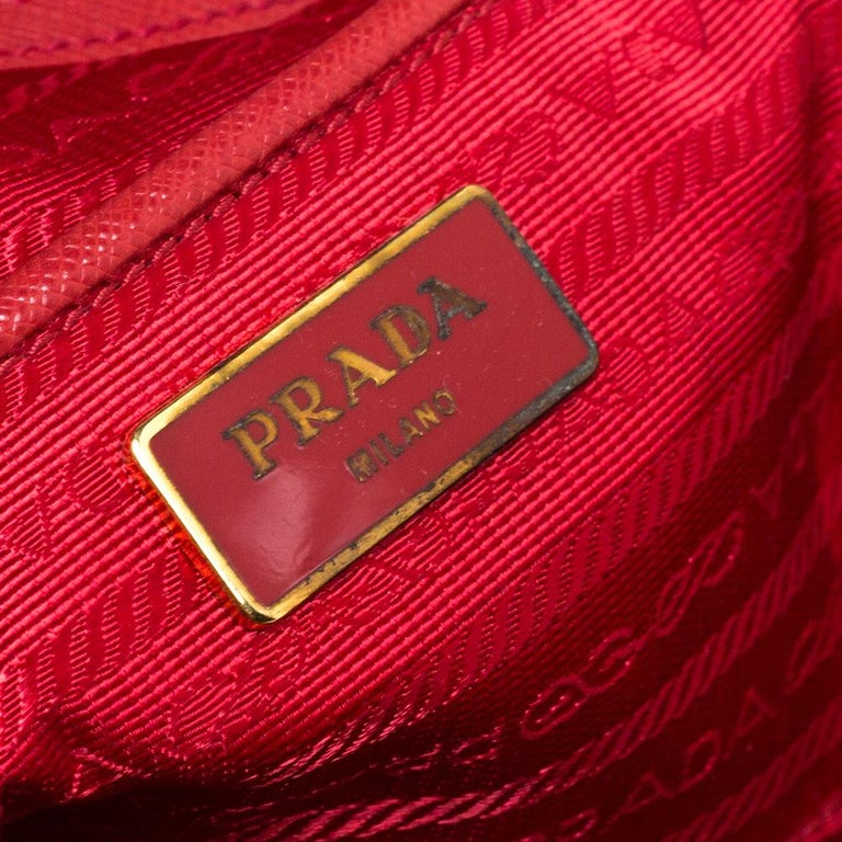 Prada Red Saffiano Lux Leather Large Double Zip Tote For Sale 7