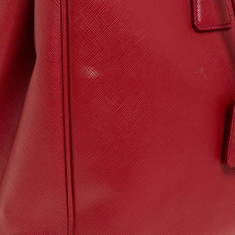 Women's Prada Red Saffiano Lux Leather Large Double Zip Tote For Sale