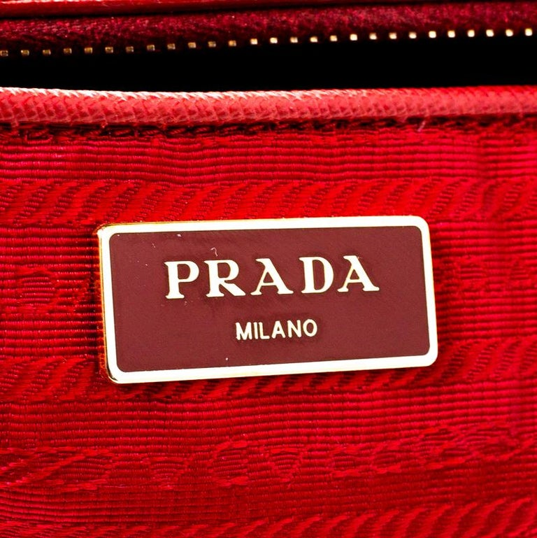 Prada Red Saffiano Lux Leather Large Double Zip Tote For Sale 1