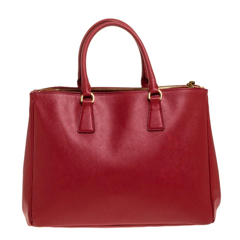 Prada Red Saffiano Lux Leather Large Double Zip Tote For Sale 2