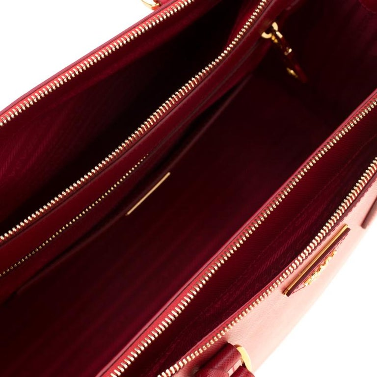 Prada Red Saffiano Lux Leather Medium Double Zip Tote For Sale 3