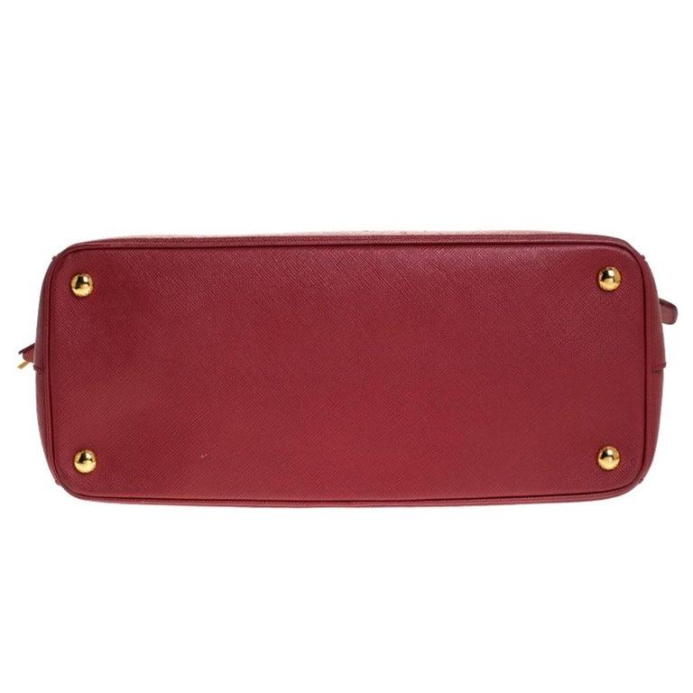 Prada Red Saffiano Lux Leather Parabole Tote Bag For Sale 1