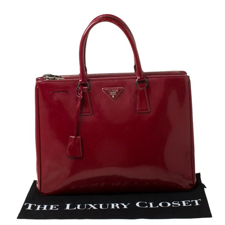 Prada Red Saffiano Lux Patent Leather Large Double Zip Tote For Sale 7