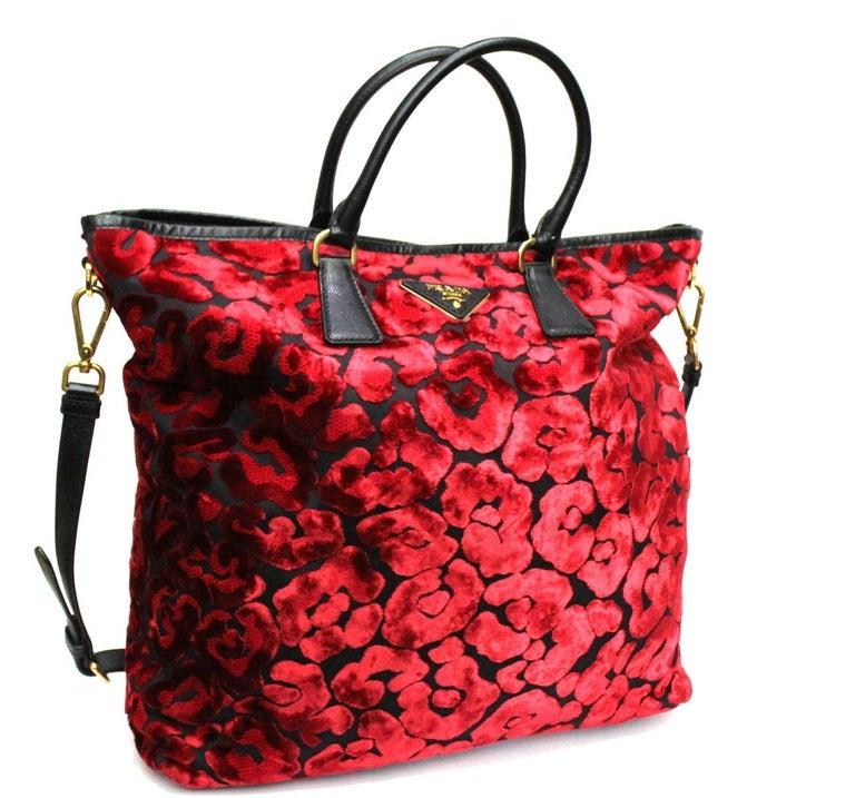 Prada Red Suede Shopper Bag In Excellent Condition In Torre Del Greco, IT