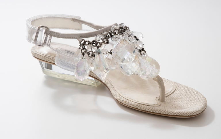 Prada Runway Clear PVC Lucite Faceted Crystal Thong Sandals, Spring 2010 In Excellent Condition For Sale In Cincinnati, OH
