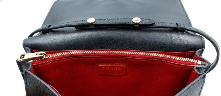 Prada Saffiano Galleria Black Leather Cross body Ladies Bag 1BH009 F0002 For Sale 3
