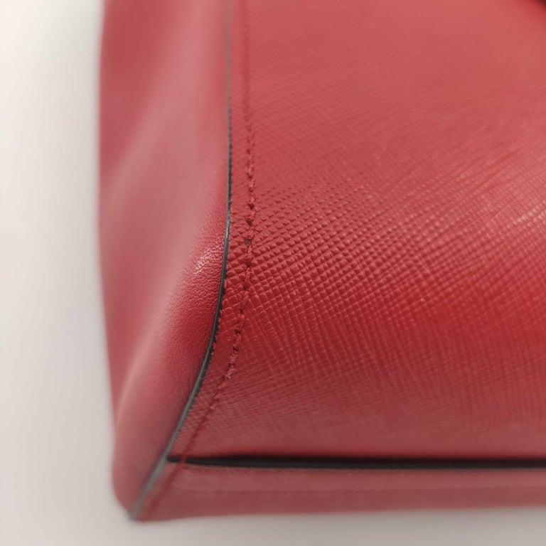 PRADA Saffiano Handbag in Red Leather For Sale 6