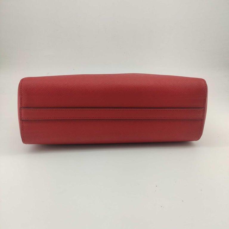 Women's PRADA Saffiano Handbag in Red Leather For Sale