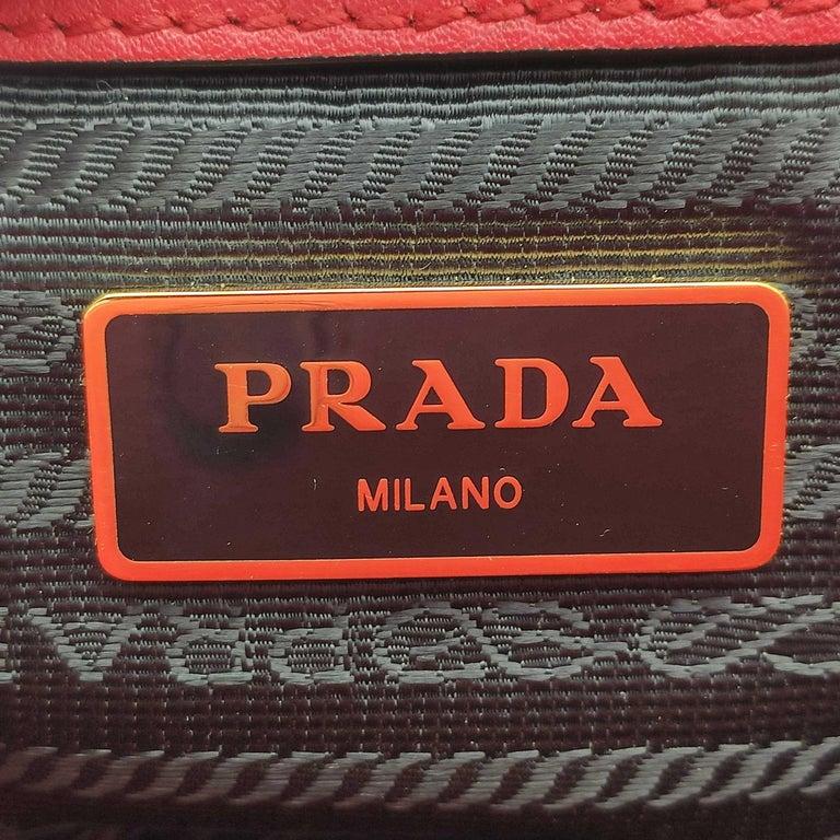 PRADA Saffiano Handbag in Red Leather For Sale 2
