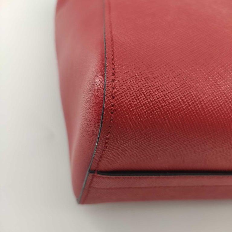 PRADA Saffiano Handbag in Red Leather For Sale 4