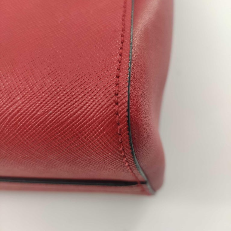 PRADA Saffiano Handbag in Red Leather For Sale 5