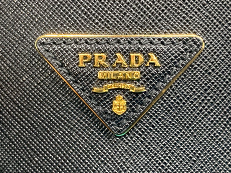 PRADA Saffiano Lux Galleria Black Leather Ladies Tote 1BA786NZV For Sale 5