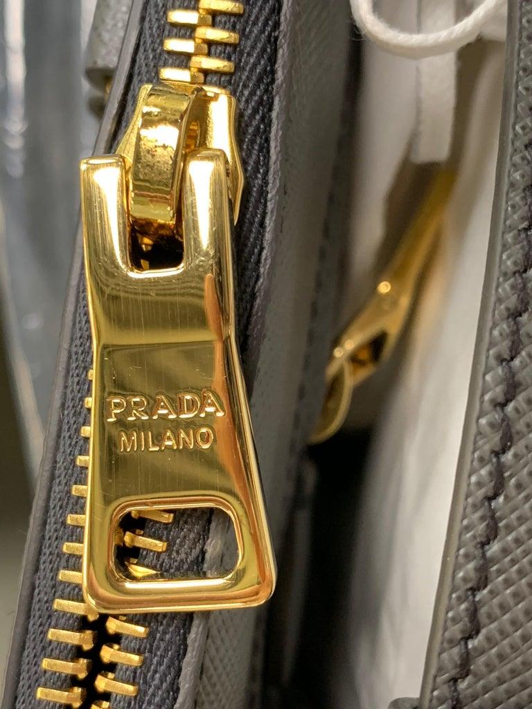 PRADA Saffiano Lux Galleria Gray Leather Ladies Tote 1BA786NZV For Sale 5