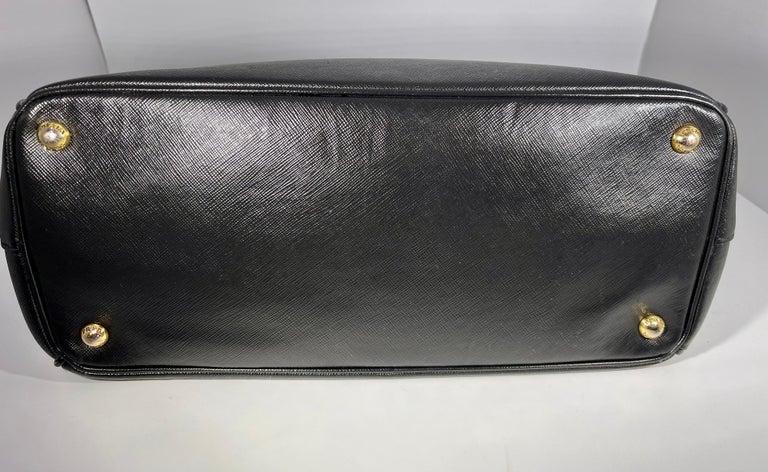 Prada Saffiano Medium Executive Tote Bag, Black (Nero), Double Zip Tote Bag  For Sale 8