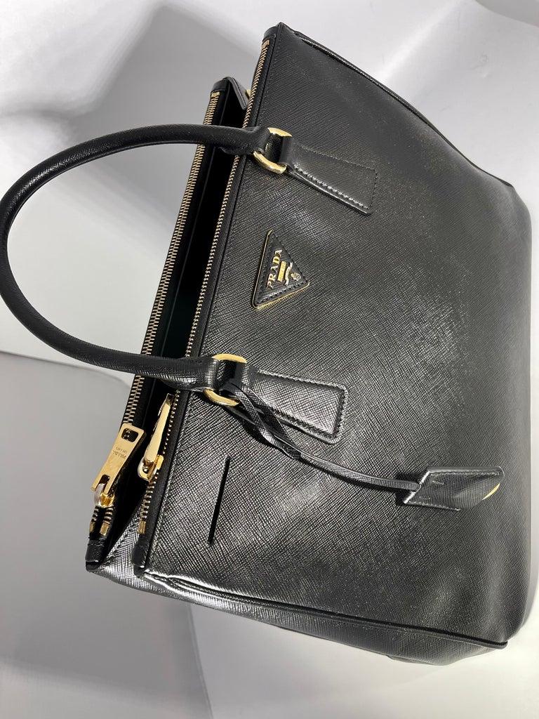 Prada Saffiano Medium Executive Tote Bag, Black (Nero), Double Zip Tote Bag  For Sale 9