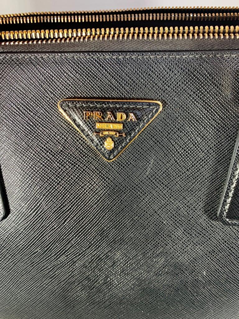 Women's Prada Saffiano Medium Executive Tote Bag, Black (Nero), Double Zip Tote Bag  For Sale