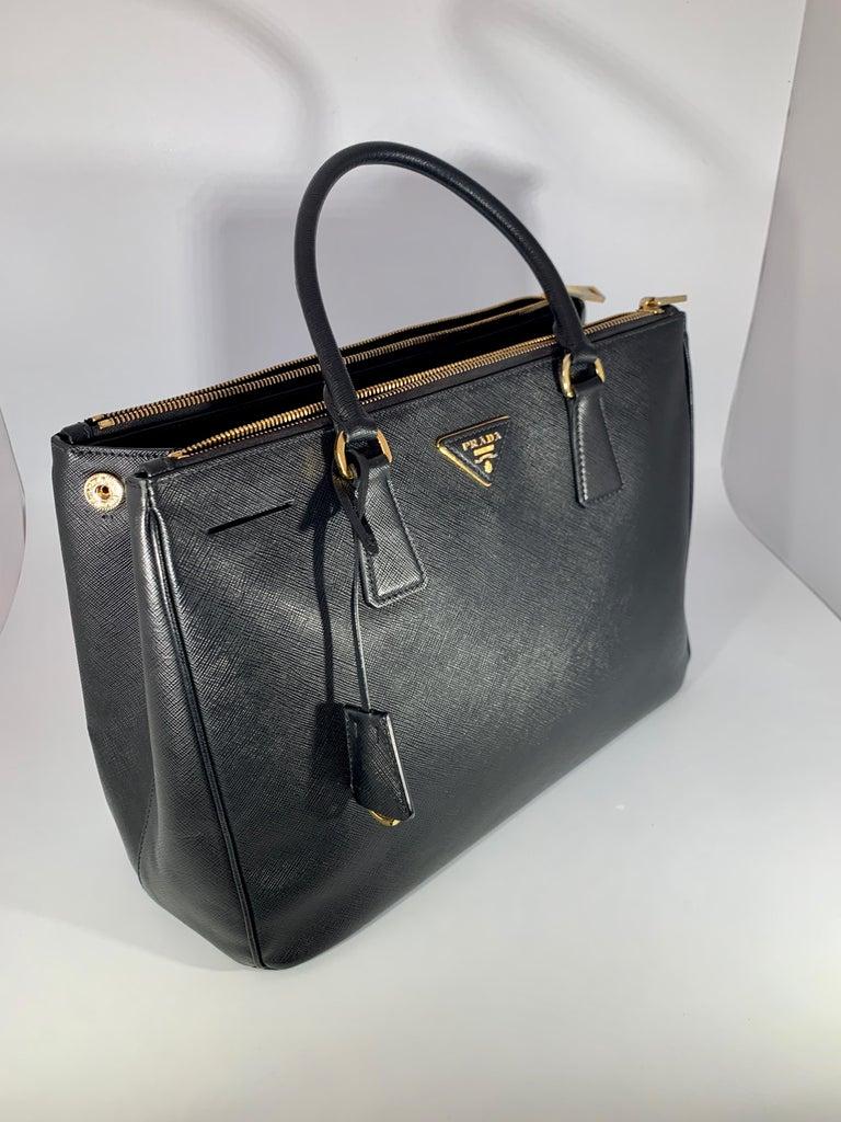 Prada Saffiano Medium Executive Tote Bag, Black (Nero), Double Zip Tote Bag  For Sale 1