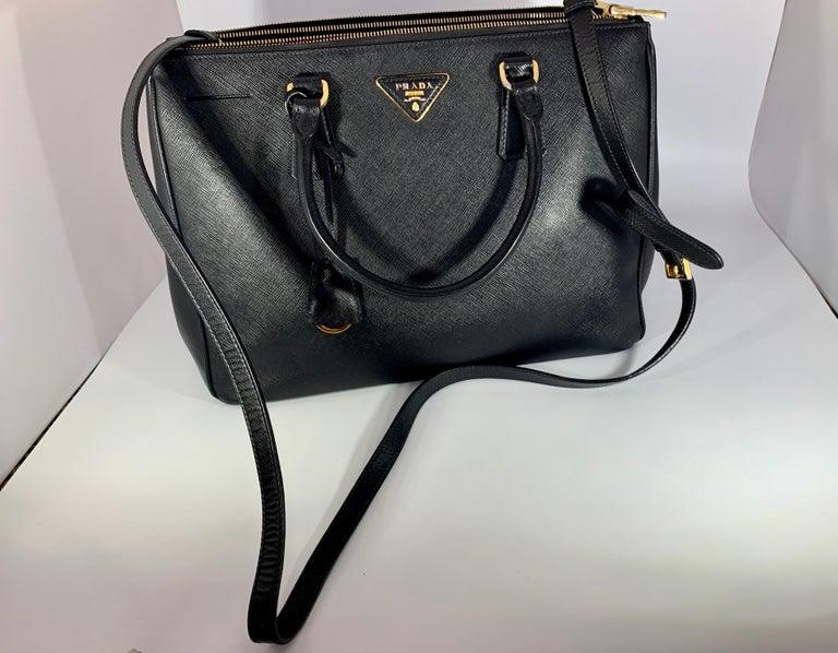 Prada Saffiano Medium Executive Tote Bag, Black (Nero), Double Zip Tote Bag  For Sale 3