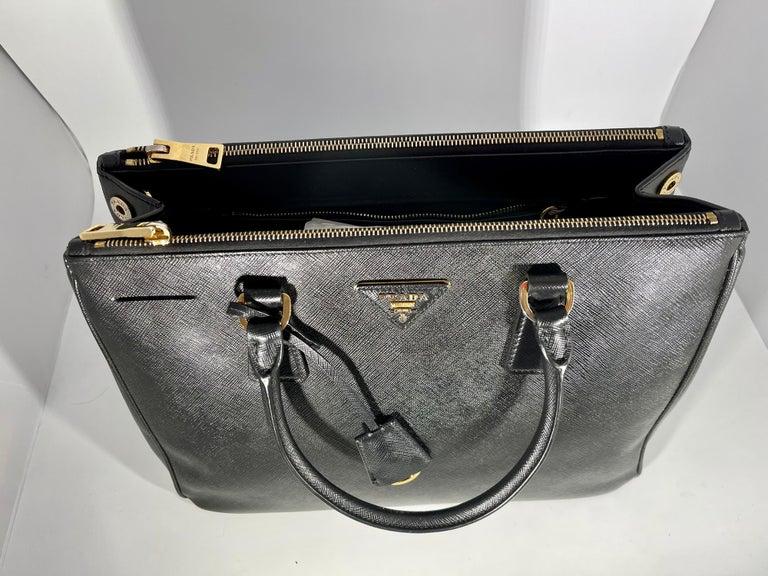 Prada Saffiano Medium Executive Tote Bag, Black (Nero), Double Zip Tote Bag  For Sale 5