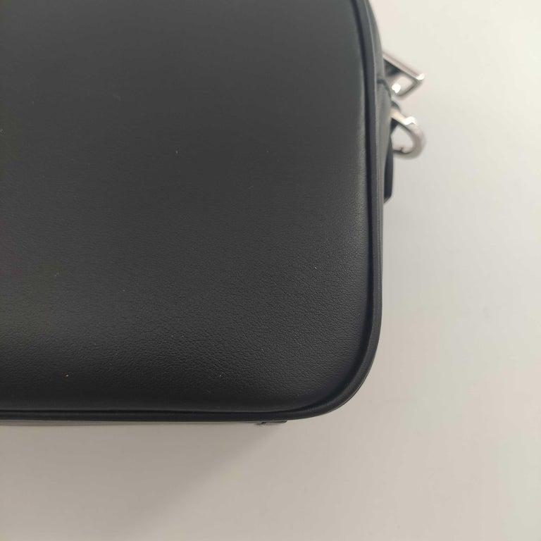 PRADA Shoulder bag in Black Leather For Sale 8
