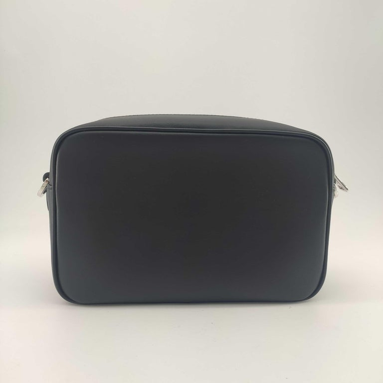 PRADA Shoulder bag in Black Leather In New Condition For Sale In Clichy, FR
